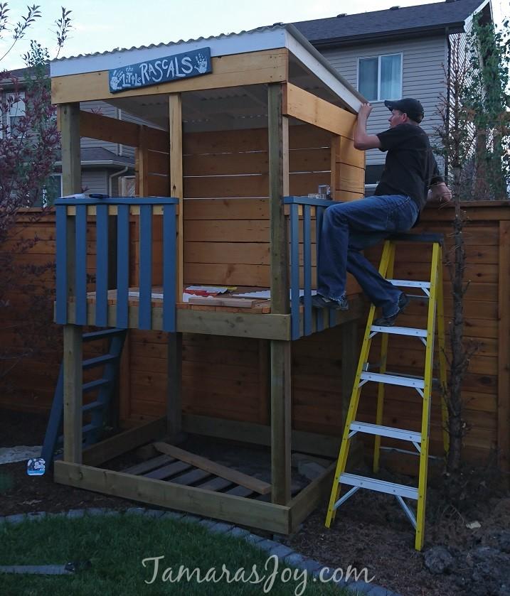 DIY Tree House/clubhouse - Tamara\'s Joy